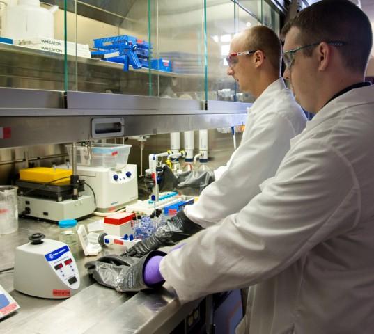 آزمایشگاه دانه بندی پودر آلومینیوم